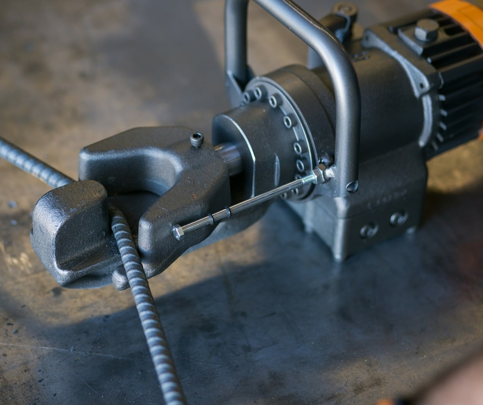 How to Use Rebar Bender and Importance of Bleeding Its Hydraulics
