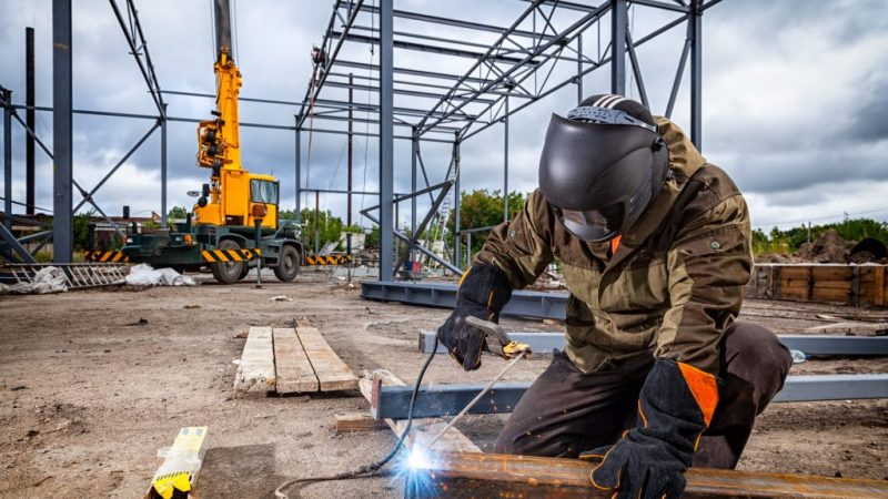 Top 4 Tips to Maintain Welding Equipment