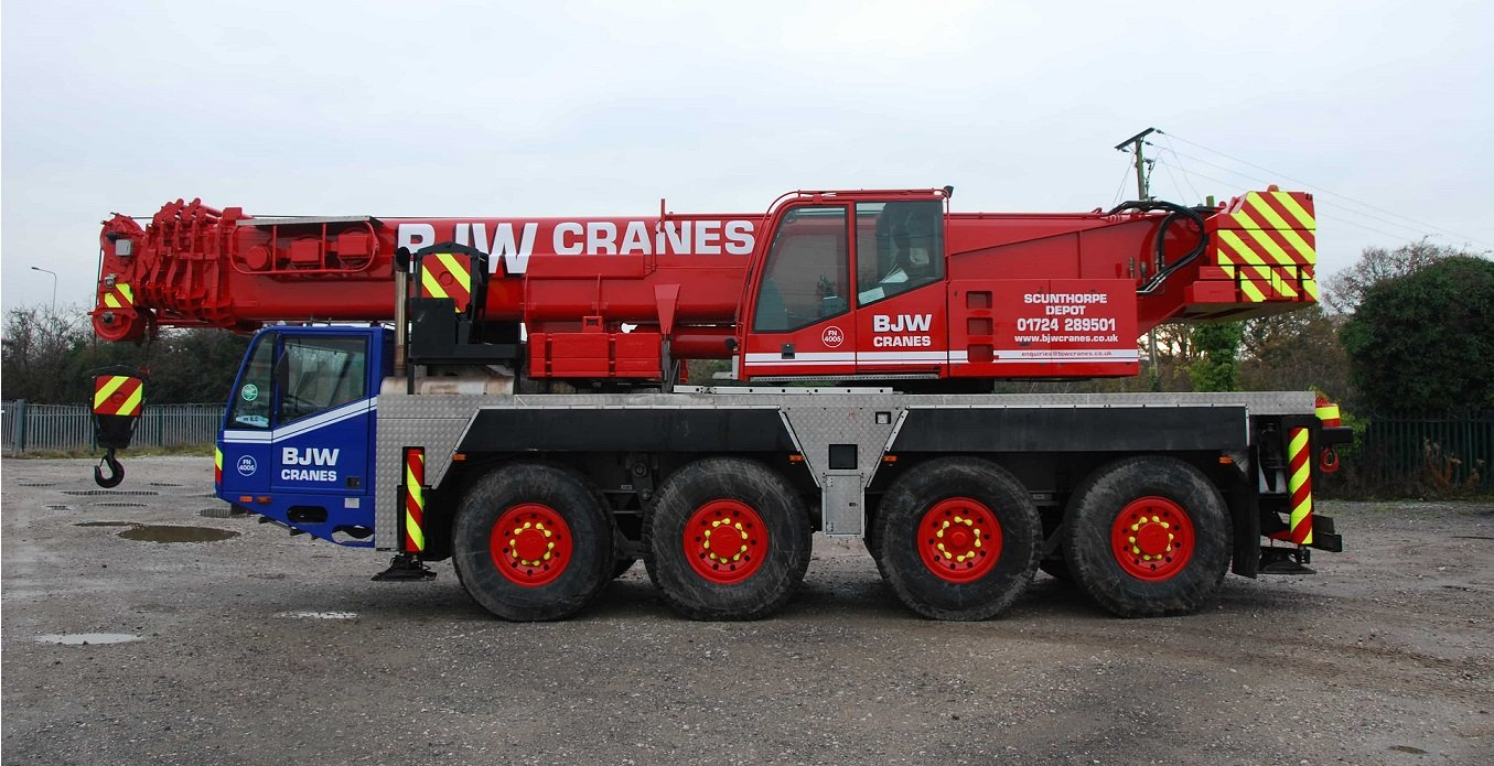 How much does mobile crane hire cost?