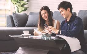 What is the difference between the licensed moneylender and the unlicensed moneylender?