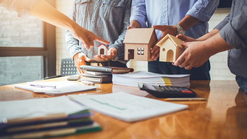 Guide on How to Choose the Right Investment Property through an Agency