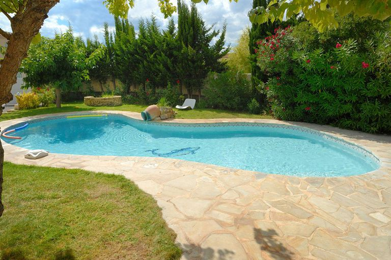Find the right type of pool cover for your home