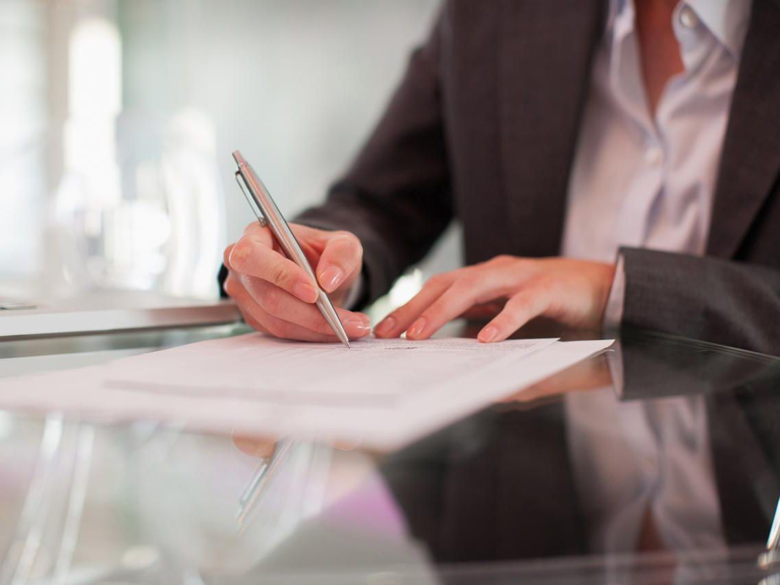 The process involved in establishing an operating agreement for LLC from a business agent