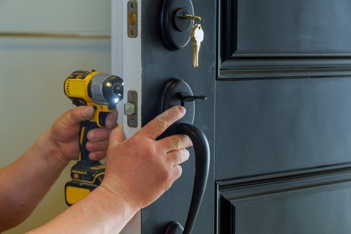 Why Go with Professional Locksmith Services?